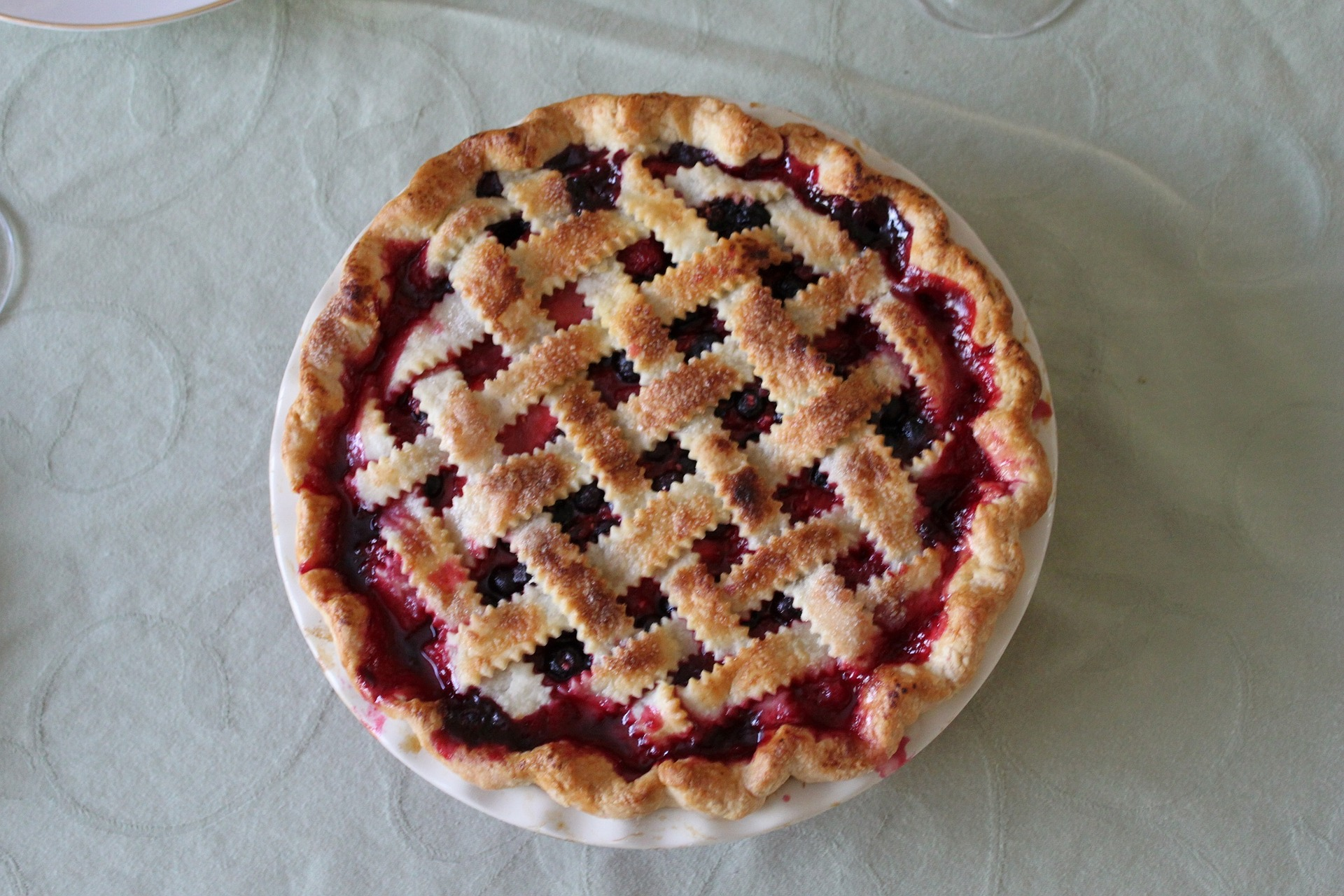 Use Your American-Made Cutlery Pie Server on Cherry Pie Day